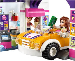 Lego-41320-Heartlake-Frozen-Yogurt-Shop-3