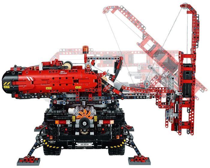 lego 42082 rough terrain crane i brick city. Black Bedroom Furniture Sets. Home Design Ideas