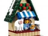 lego-10235-winter-village-market-creator-expert-9