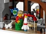 lego-10249-winter-toy-shop-creator-seasonal-18
