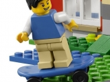 lego-31009-small-cottage-creator-ibrickcity-mini-figure-skate