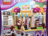 lego-41006-downtown-bakery-friends-4