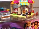 lego-41006-downtown-bakery-friends-5
