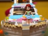 lego-41015-dolphin-cruiser-friends-12