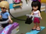 lego-41015-dolphin-cruiser-friends-4