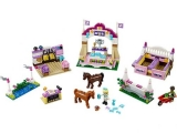 lego-41057-heartlake-horse-show-friends-2