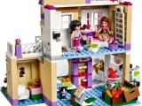 lego-41108-heartlake-food-market-friends-2