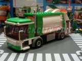 lego-4432-garbage-truck-ibrickcity-1
