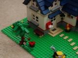 lego-5891-apple-tree-house-city-ibrickcity-13