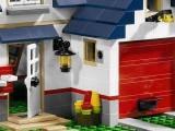 lego-5891-apple-tree-house-city-ibrickcity-8