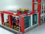 lego-60004-city-fire-headquarters-ibrickcity-16