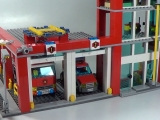 lego-60004-city-fire-headquarters-ibrickcity-20