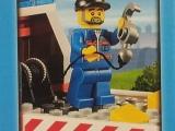 lego-60017-city-flatbed-truck-ibrickcity-mechanic