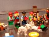 lego-60024-advent-calendar-2013-city-8