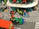 lego-60026-town-square-city-ibrickcity-street-sweeper