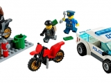 lego-60042-high-speed-police-chase-city-1