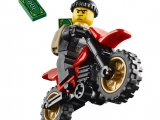 lego-60042-high-speed-police-chase-city-7