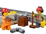 lego-60098-city-heavy-haul-train-4