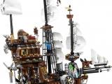 lego-70810-metalbeard-sea-cow-movie-4