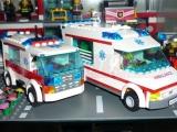 lego-7890-ambulance-city-7