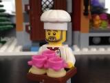 lego-town-10216-winter-village-bakery-ibrickcity-12