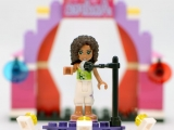lego-friends-3932-andrea-stage-ibrickcity5