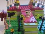 lego-friends-3942-heartlake-dog-show-ibrickcity-5