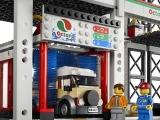 ibrickcity-lego-4207-garage-park-summer-4
