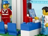 ibrickcity-lego-4429-hospital-helicopeter-rescue-summer-7