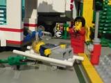 lego-city-4431-ambulance-ibrickcity-13