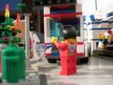 lego-city-4431-ambulance-ibrickcity-21
