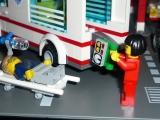 lego-city-4431-ambulance-ibrickcity-7