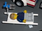 lego-city-4431-ambulance-ibrickcity-8