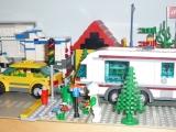lego-city-4435-car-and-camper-ibrickcity-14