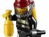 lego-60002-city-fire-truck-ibrickcity-9