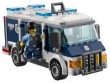 lego-60008-city-museum-break-in-ibrickcity-van