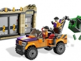 lego-super-heroes-6864-batmobile-two-face-chase-ibrickcity-12