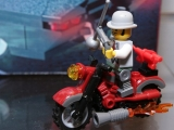 lego-monster-fighters-9464-the-vampyre-hearse-ibrickcity-1