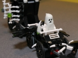 lego-monster-fighters-9467-ghost-train-5