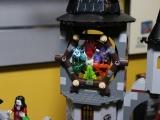 lego-monster-fighters-9468-vampyre-castle-ibrickcity-3