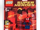 lego-sdcc-minifigure-super-man
