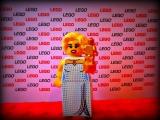 lego-series-9-minifigures-hollywood-starlet-36