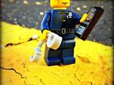 lego-series-9-minifigures-policeman-44