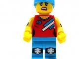 lego-series-9-minifigures-roller-derby-girl-29