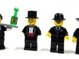 lego-series-9-minifigures-waiter
