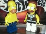 lego-simpsons-mini-figures-homer-simpson-net-flanders-1
